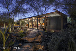 """award winning 700 square foot fully equipped modern guest house known as """"the barn"""""""