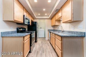 7921 N 61ST Avenue, Glendale, AZ 85301