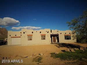 103 S SIXSHOOTER Road, Apache Junction, AZ 85119