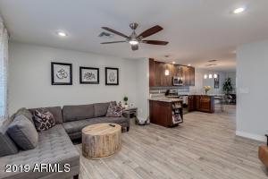 5243 E CAMBRIDGE Avenue, Phoenix, AZ 85008