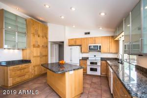 1061 E HOPE Street, Mesa, AZ 85203