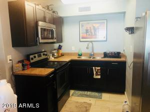 2522 W HAYWARD Avenue, Phoenix, AZ 85051