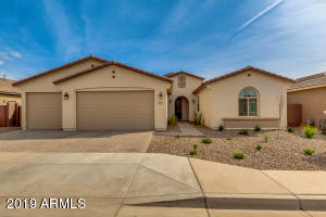 803 W GUM TREE Avenue, San Tan Valley, AZ 85140