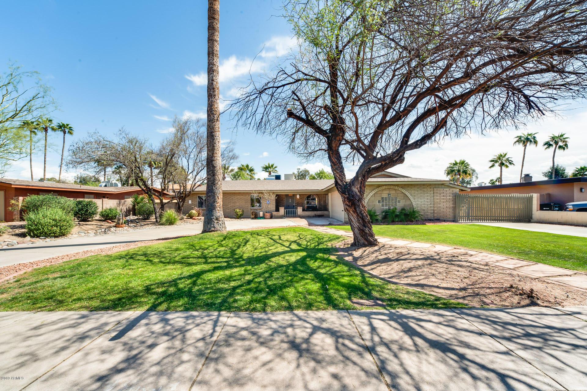 Photo of 15031 N 8TH Avenue, Phoenix, AZ 85023