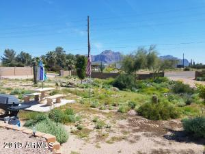 626 N TOMAHAWK Road, Apache Junction, AZ 85119