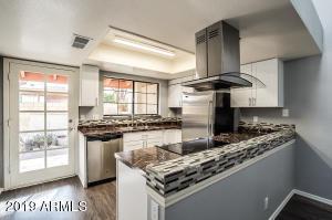 3535 W MONTE CRISTO Avenue, 103, Phoenix, AZ 85053