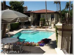 7557 N DREAMY DRAW Drive, 136, Phoenix, AZ 85020
