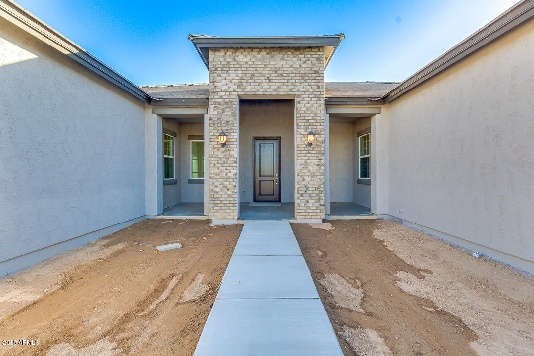 Photo of 376 W HAXTUN Street, San Tan Valley, AZ 85143