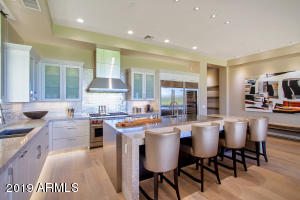 2 BILTMORE Estate, 101, Phoenix, AZ 85016