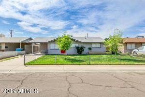 8117 W EARLL Drive, Phoenix, AZ 85033