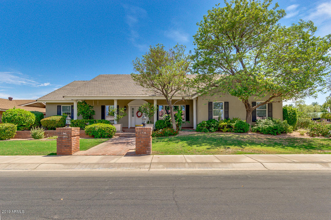 Photo of 809 W DETROIT Street, Chandler, AZ 85225
