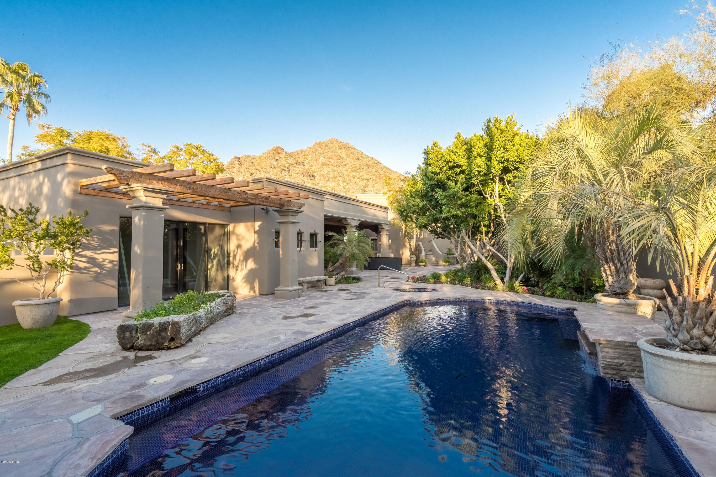 Photo of 7020 N DESERT FAIRWAYS Drive, Paradise Valley, AZ 85253