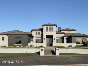 7437 S LOBACK Court, Gilbert, AZ 85298