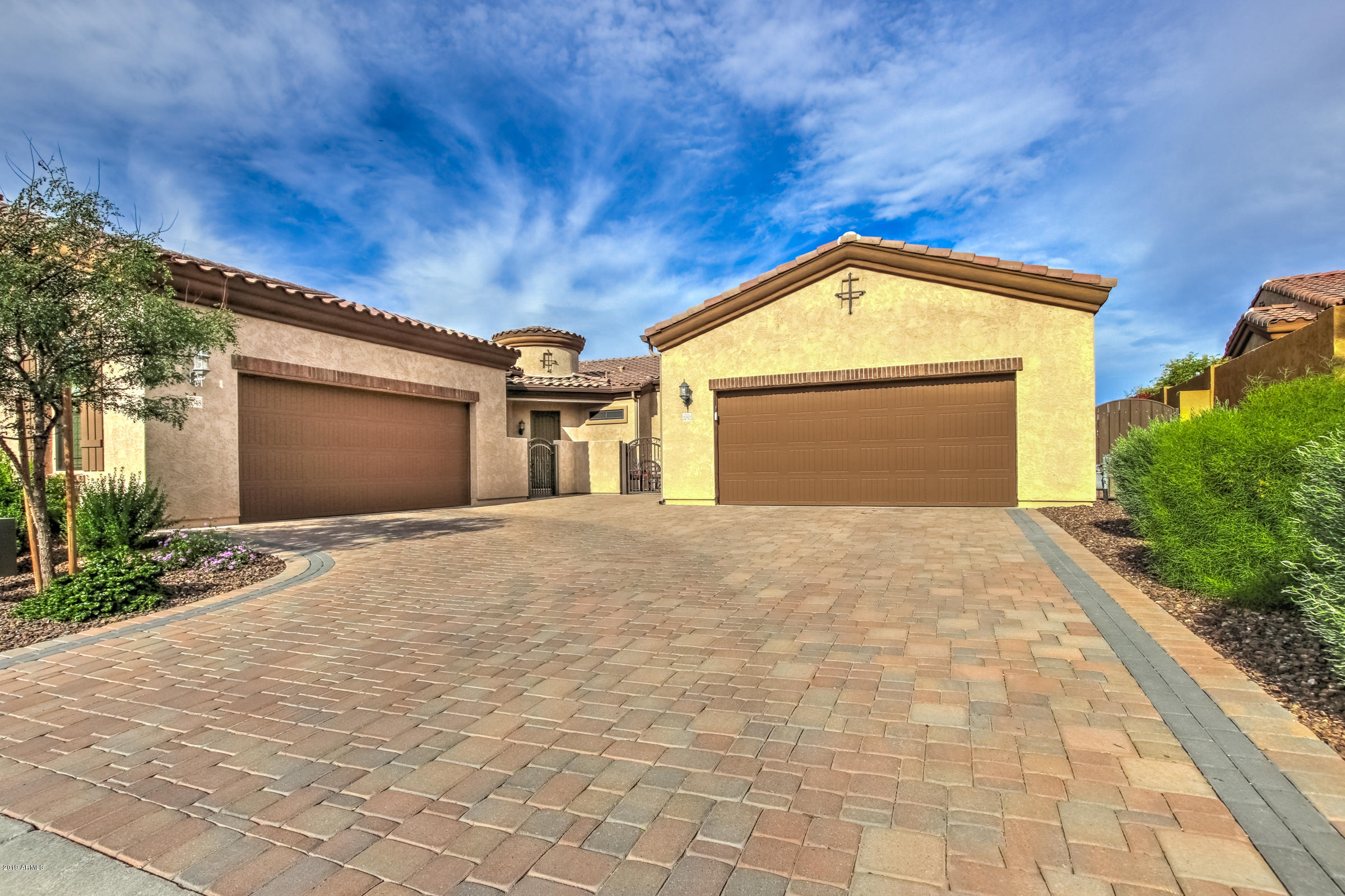 Photo of 2052 N 89TH Place, Mesa, AZ 85207