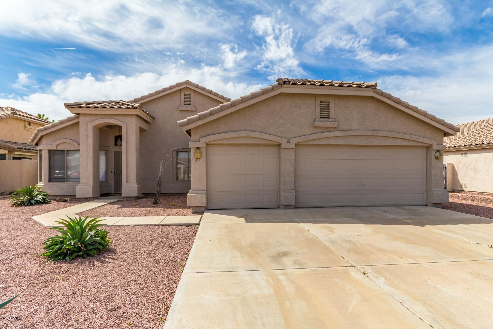 Homes For Sale With 3 Car Garages In Glendale Arizona Phoenix