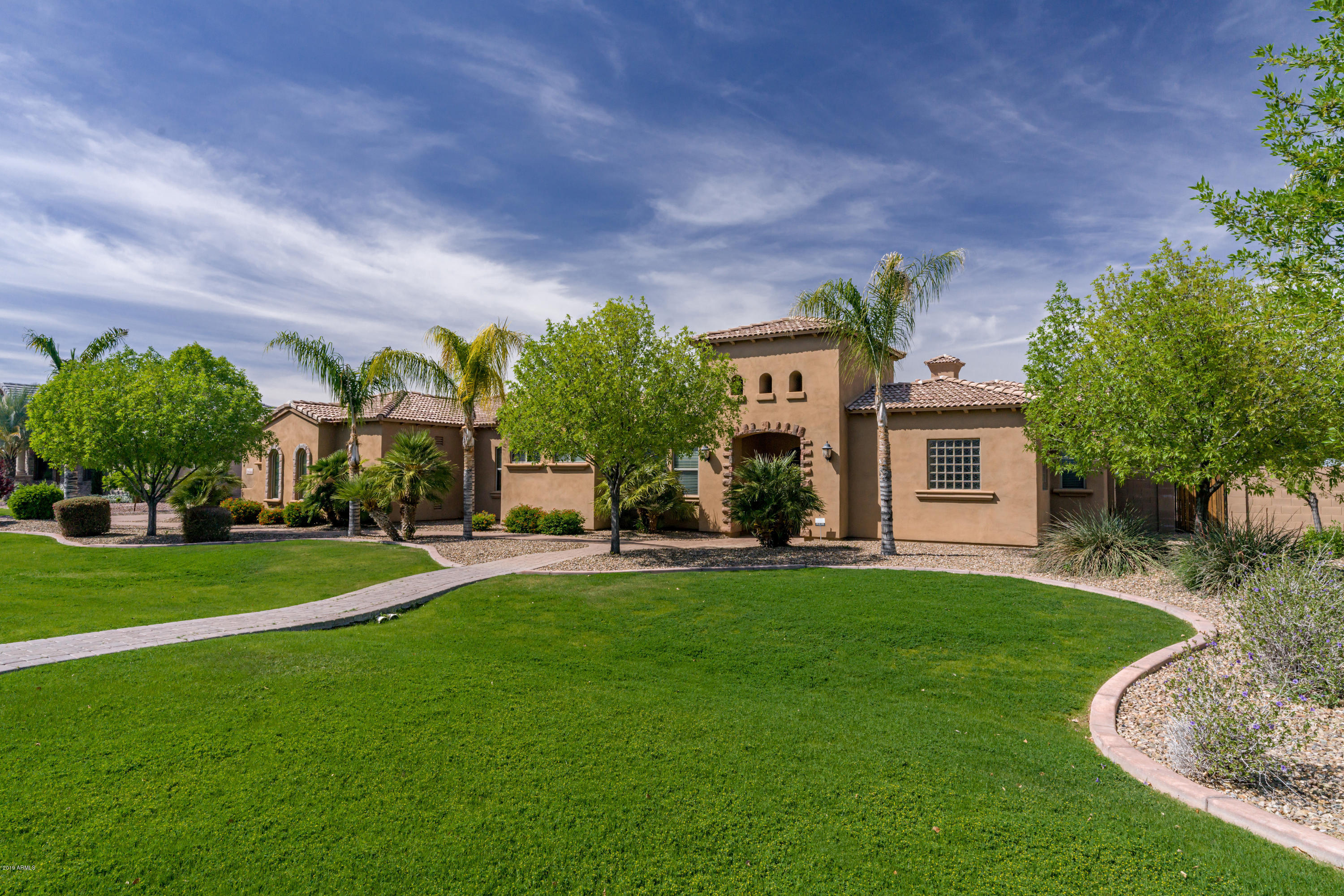 Photo of 2950 E LATHAM Way, Gilbert, AZ 85297