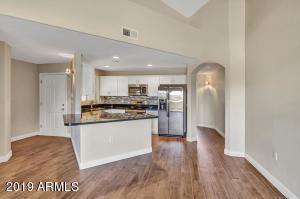 10401 N 52ND Street, 209, Paradise Valley, AZ 85253