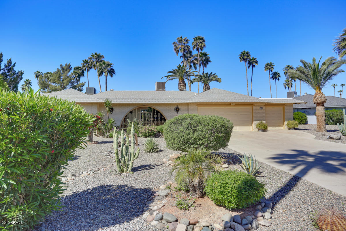 Photo of 10433 W BAYSIDE Road, Sun City, AZ 85351