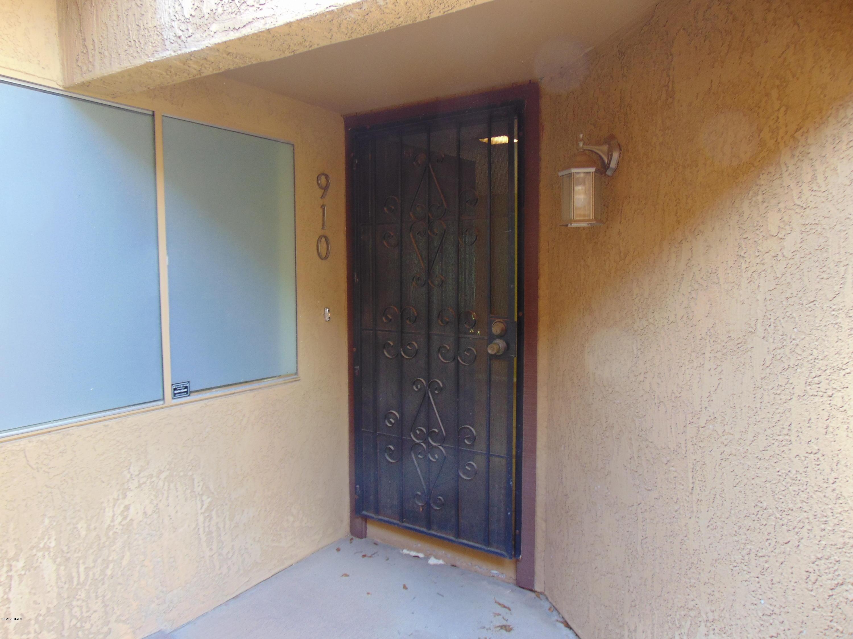 Photo of 910 S Melody Lane, Tempe, AZ 85281