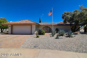 9902 W WILLOW CREEK Circle, Sun City, AZ 85373