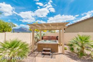 2330 E Yuma Avenue, Apache Junction, AZ 85119