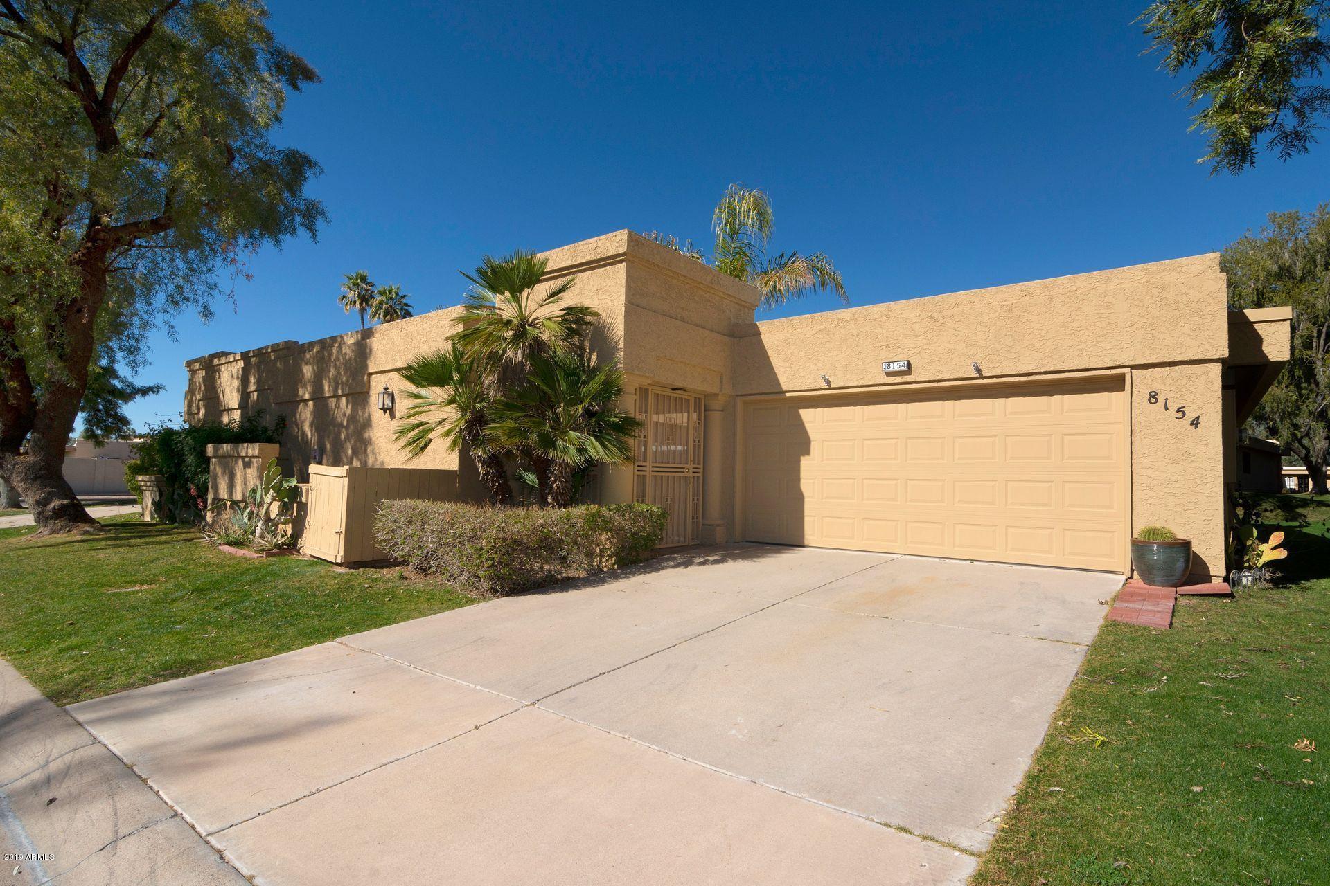 Photo of 8154 E DEL CAVERNA Drive, Scottsdale, AZ 85258