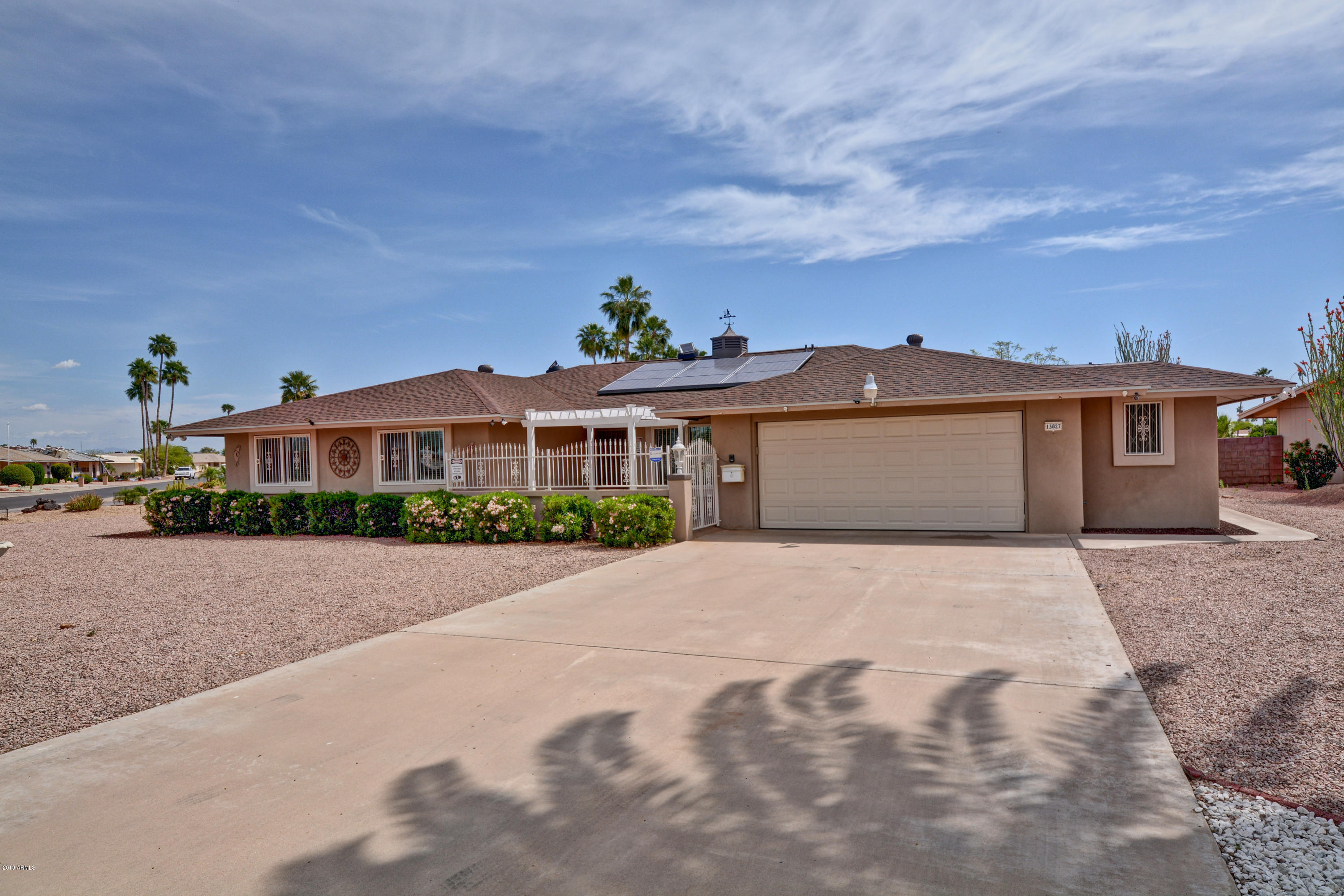 Photo of 13827 N Lakeshore Point Point, Sun City, AZ 85351
