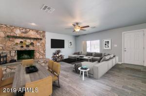 345 W TAMARISK Street, Phoenix, AZ 85041