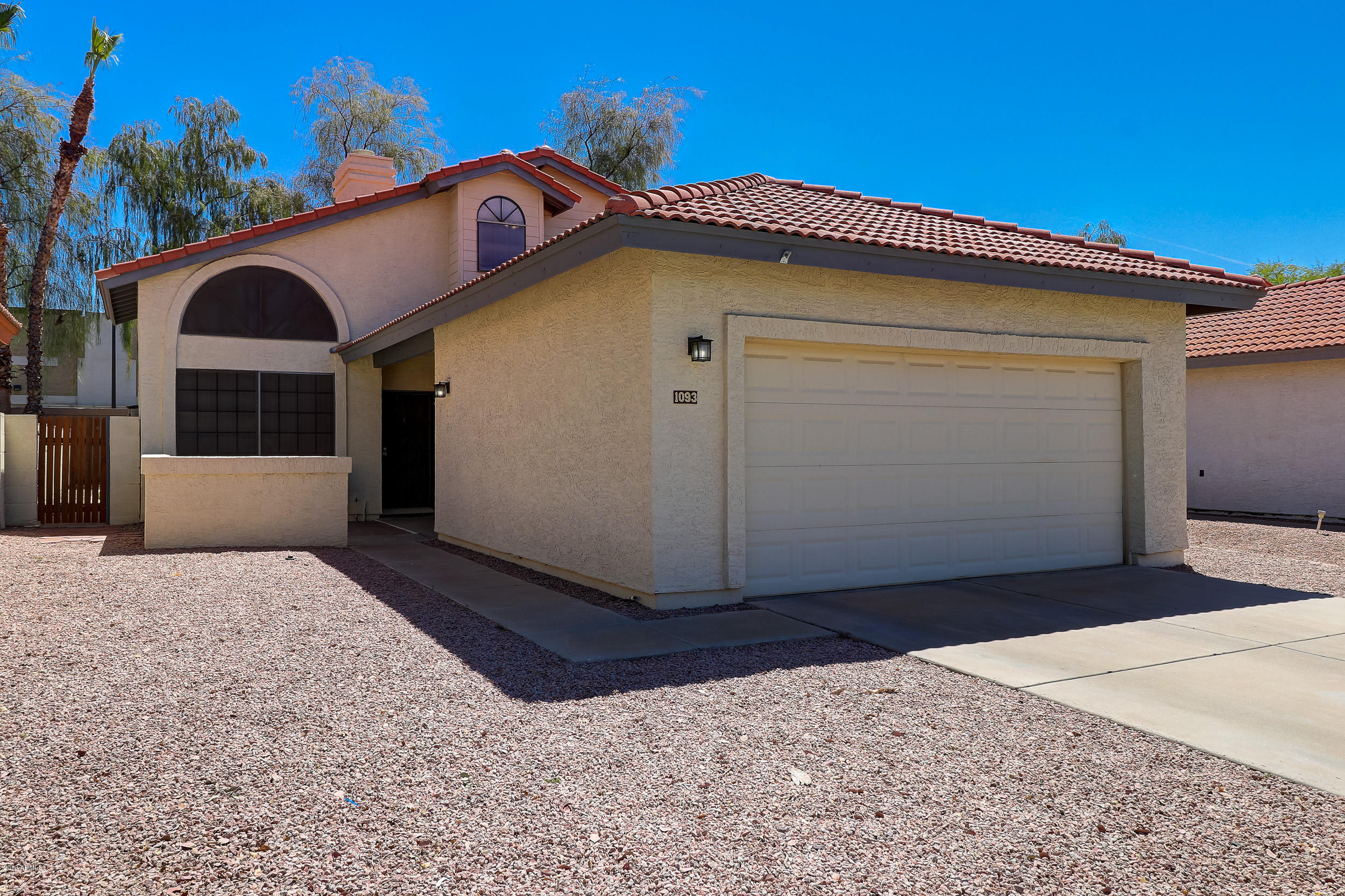 Photo of 1093 N WILLOW Street, Chandler, AZ 85226
