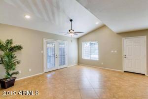 8024 N 48TH Avenue, Glendale, AZ 85302
