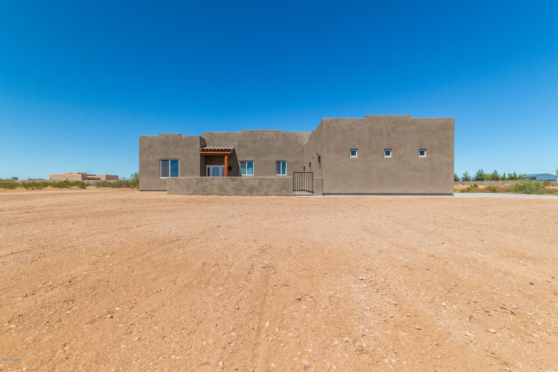 Photo of 22516 W LONE MOUNTAIN Road, Wittmann, AZ 85361