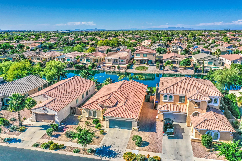 Photo of 856 E INDIAN WELLS Place, Chandler, AZ 85249