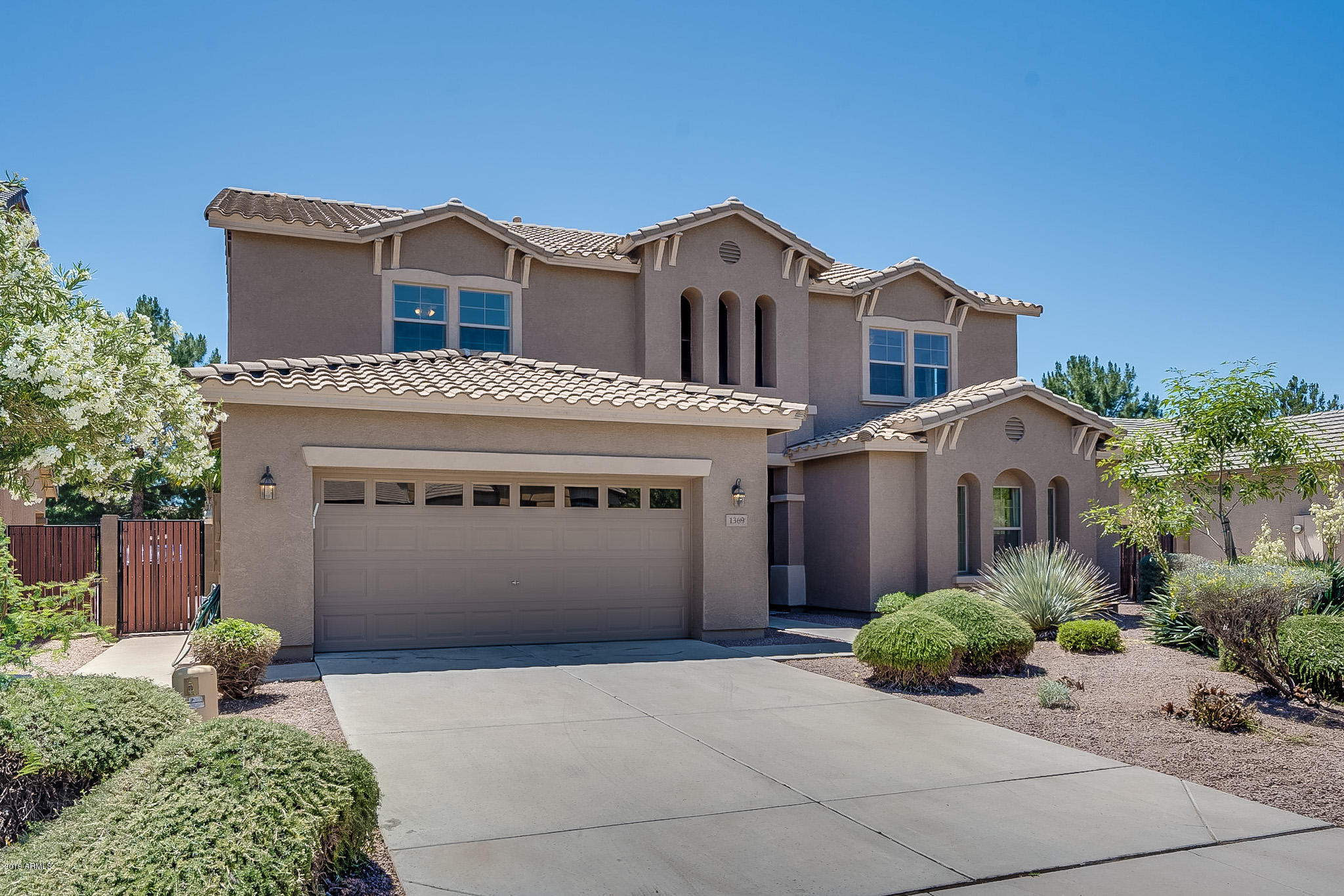 Photo of 1369 E CANYON CREEK Drive, Gilbert, AZ 85295