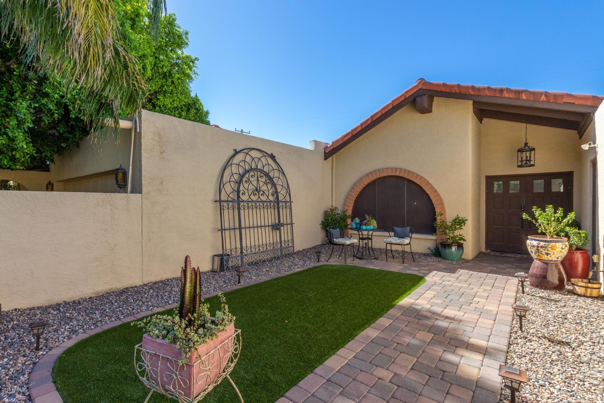 Photo of 729 E TUCKEY Lane, Phoenix, AZ 85014