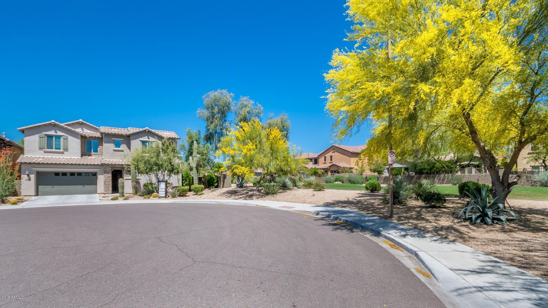 Photo of 3792 E COVEY Lane, Phoenix, AZ 85050