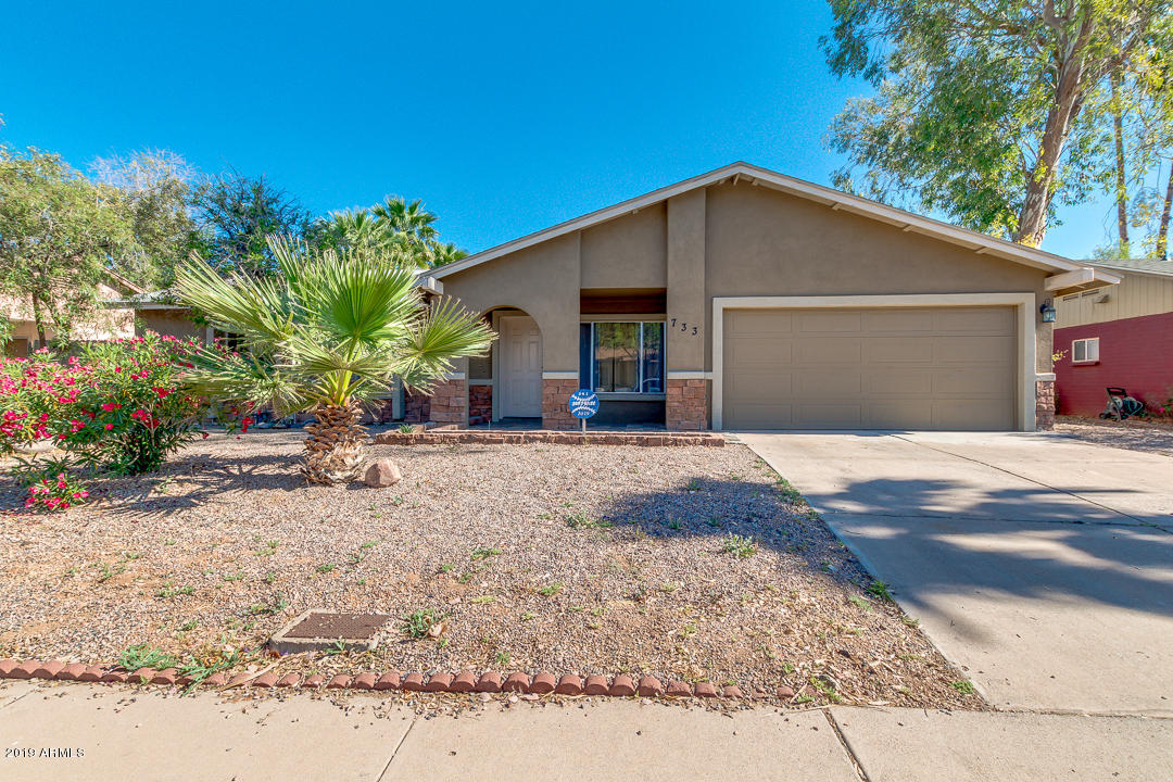 Photo of 733 W PORTOBELLO Avenue, Mesa, AZ 85210