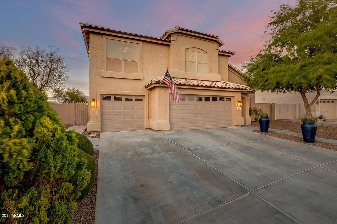 Photo of 607 S SAHUARO Drive, Gilbert, AZ 85233