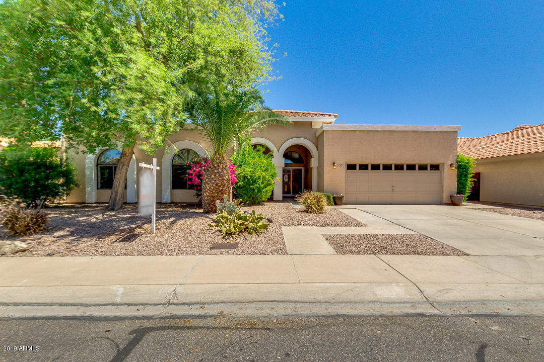 Photo of 947 S Lagoon Drive, Gilbert, AZ 85233