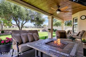 7402 W ORAIBI Drive, Glendale, AZ 85308