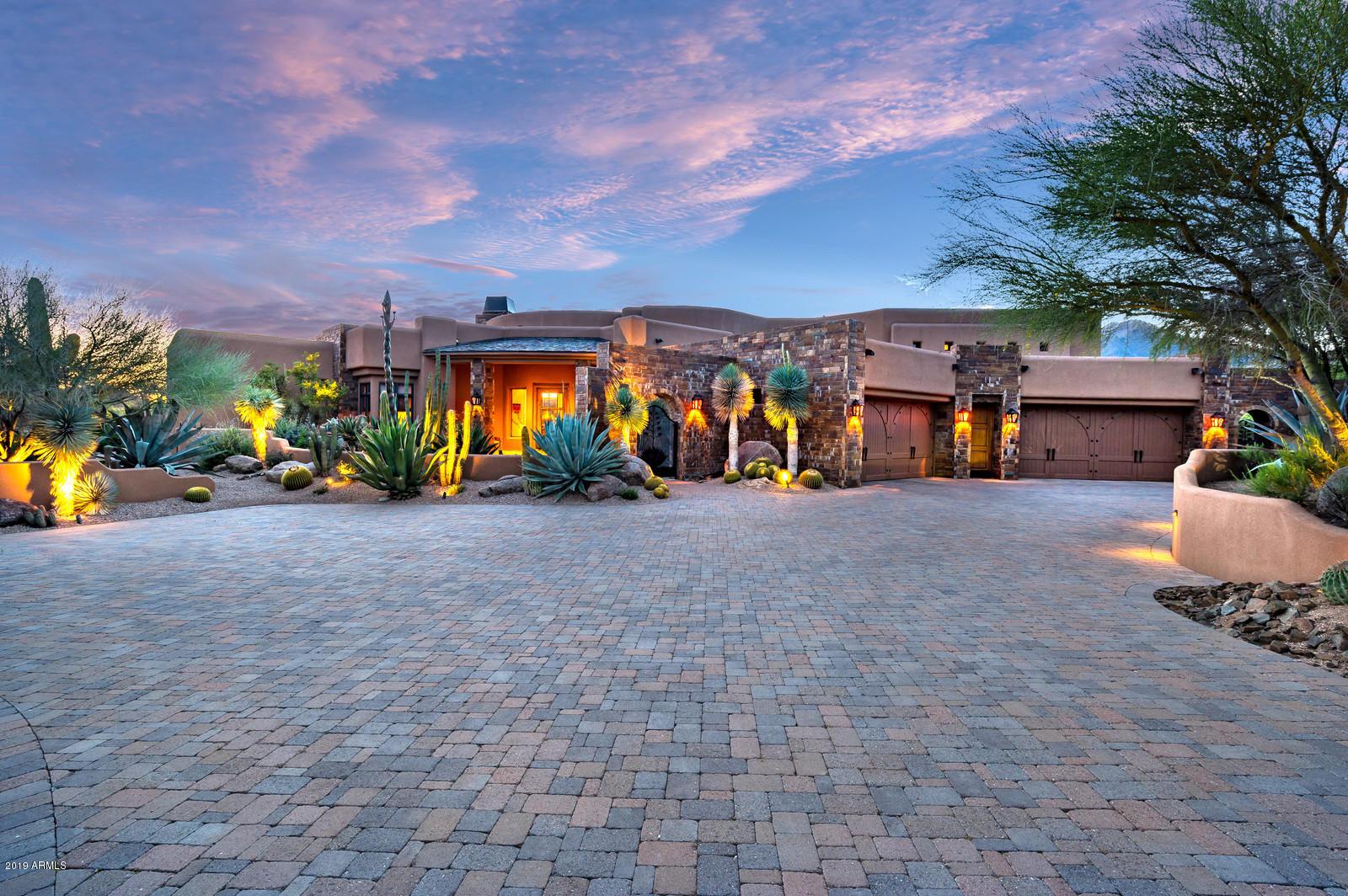 Photo of 9526 E Madera Drive, Scottsdale, AZ 85262