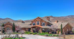 TRUE WESTERN STYLE RANCH ESTATE with CUSTOM ONE OF A KIND INTERIOR
