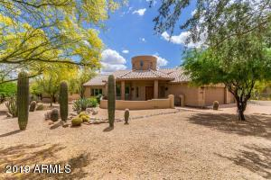COMPLETELY UPDATED AND REMODELED HOME IN TONTO VERDE.
