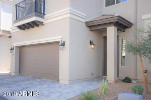 3043 N 33RD Place, Phoenix, AZ 85018