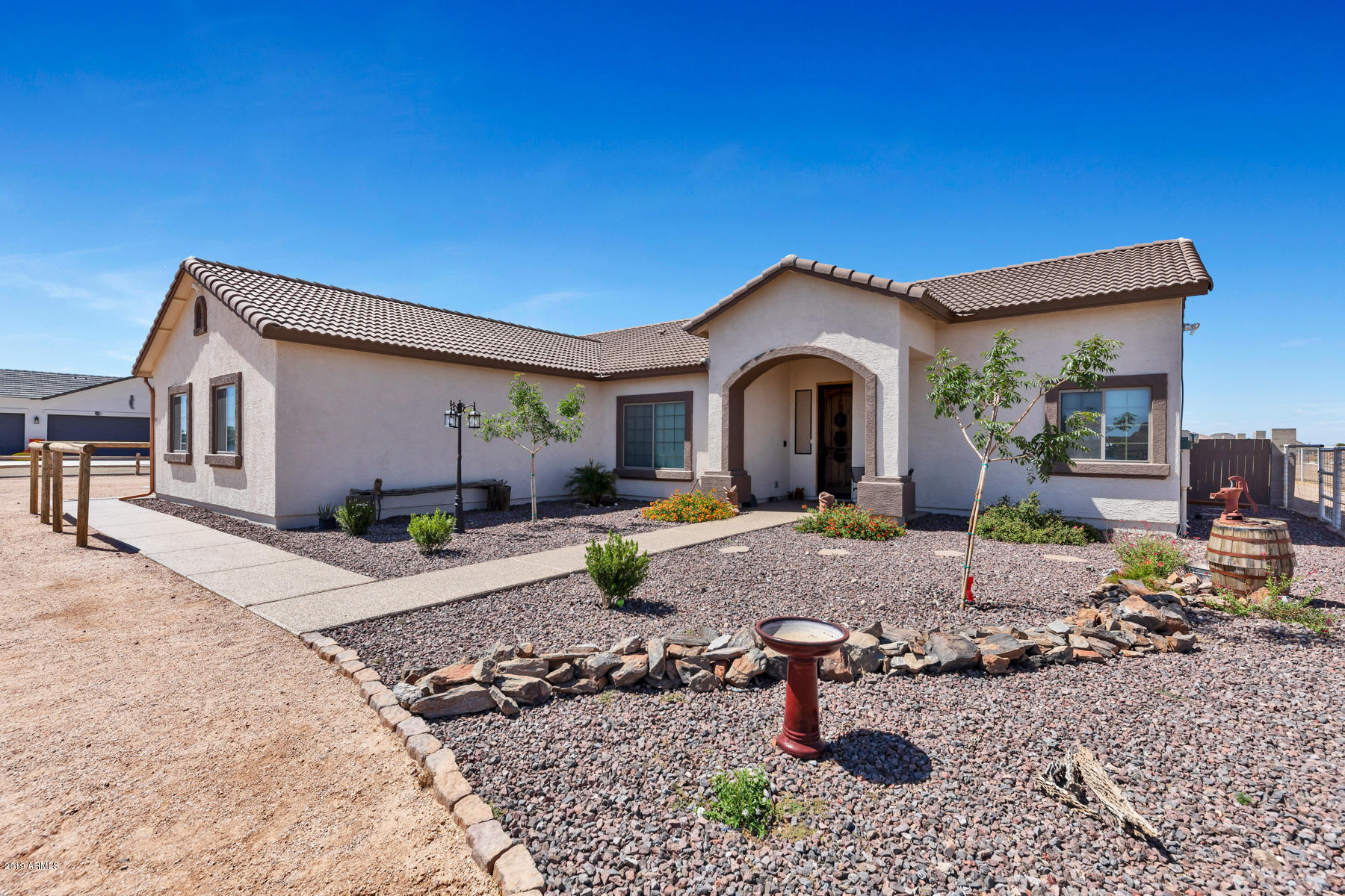 Photo of 898 W RHONDA VIEW Road, San Tan Valley, AZ 85143