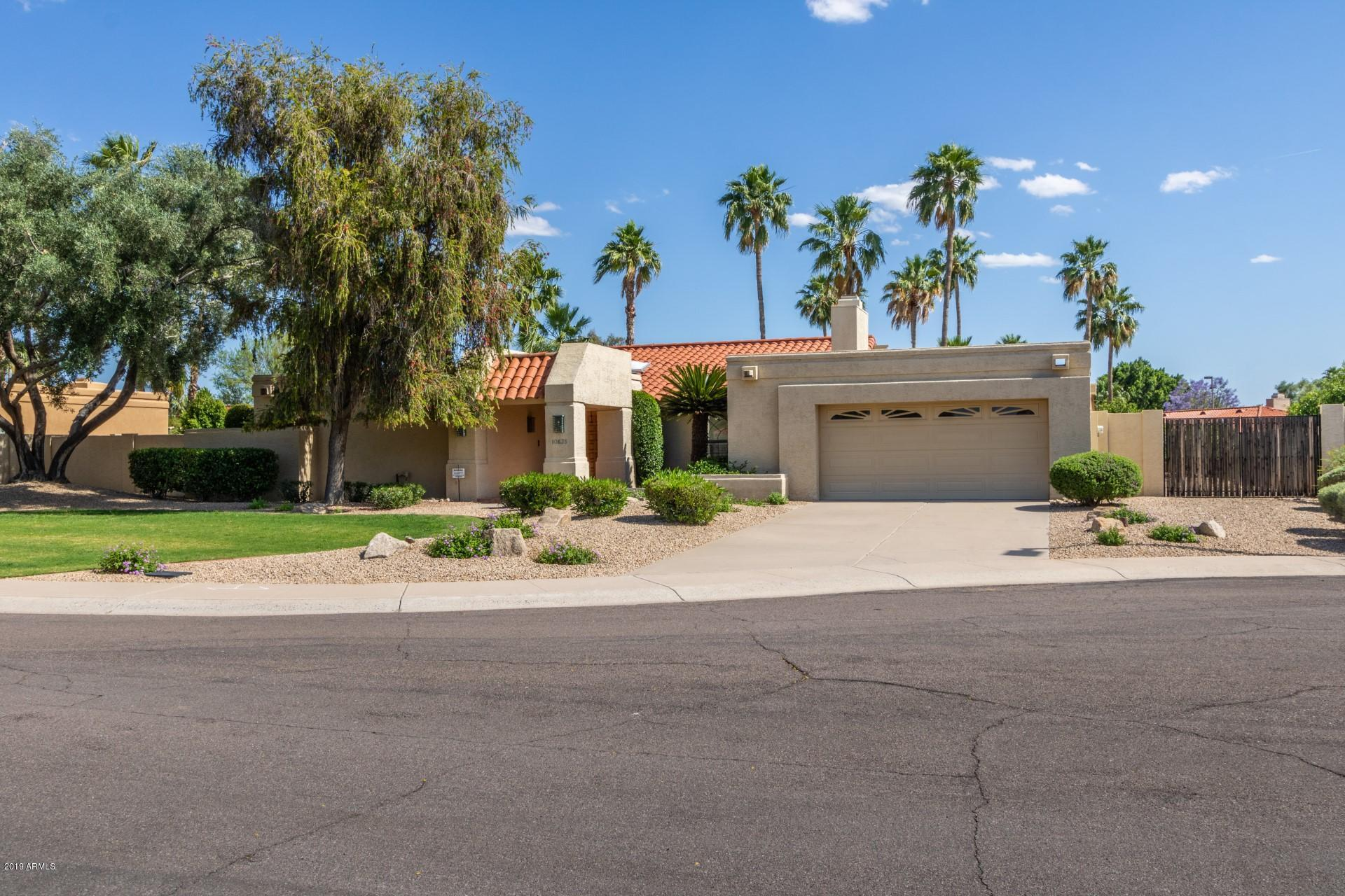 Photo of 10635 E CINNABAR Avenue, Scottsdale, AZ 85258