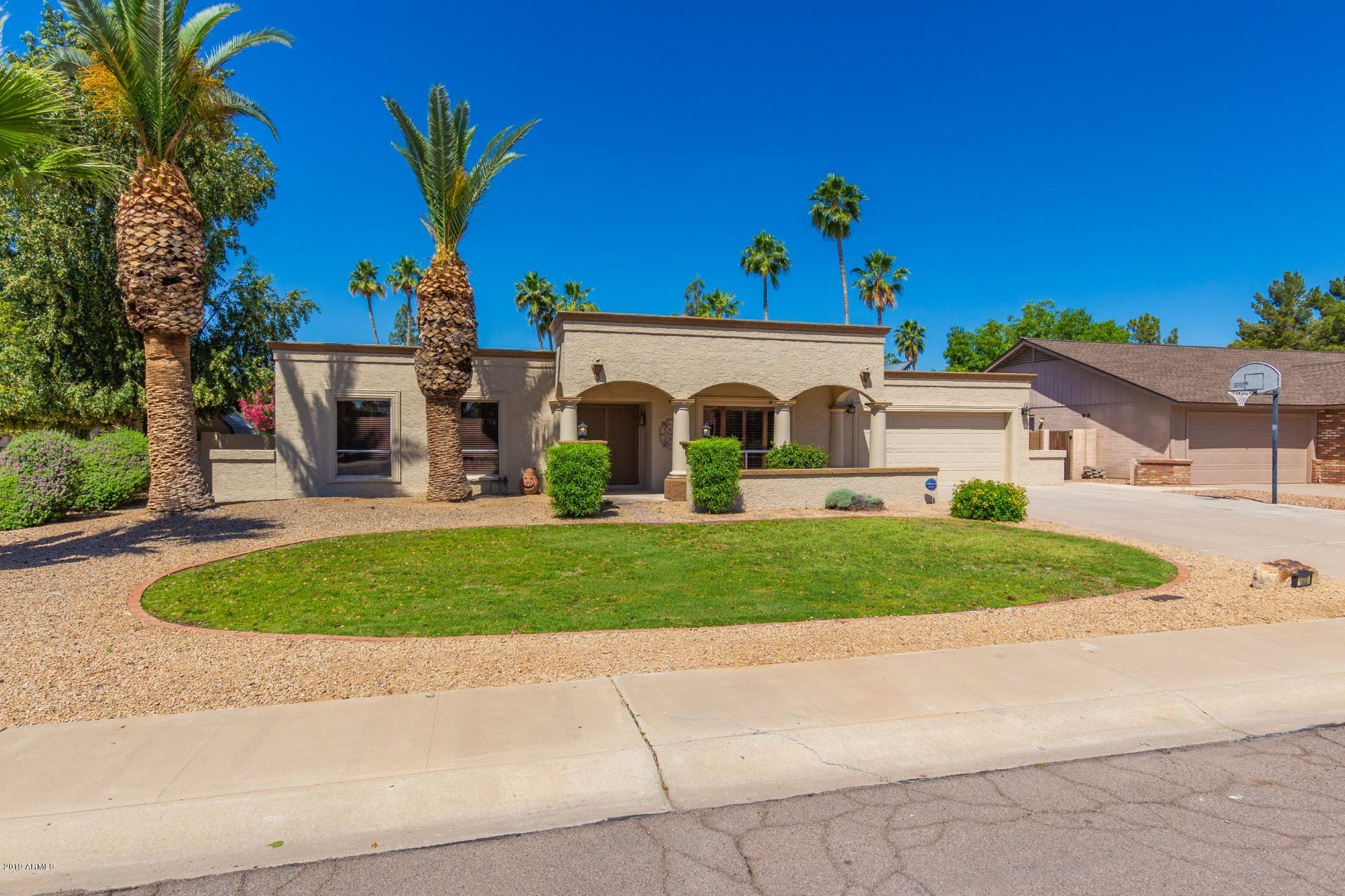 Photo of 15836 N 47TH Place, Phoenix, AZ 85032