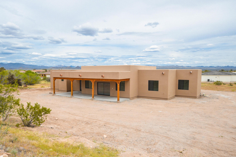 Photo of 130 SHAWNEE Drive, Wickenburg, AZ 85390