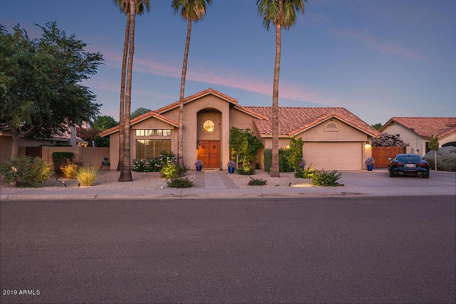 Photo of 8915 S DATELAND Drive, Tempe, AZ 85284