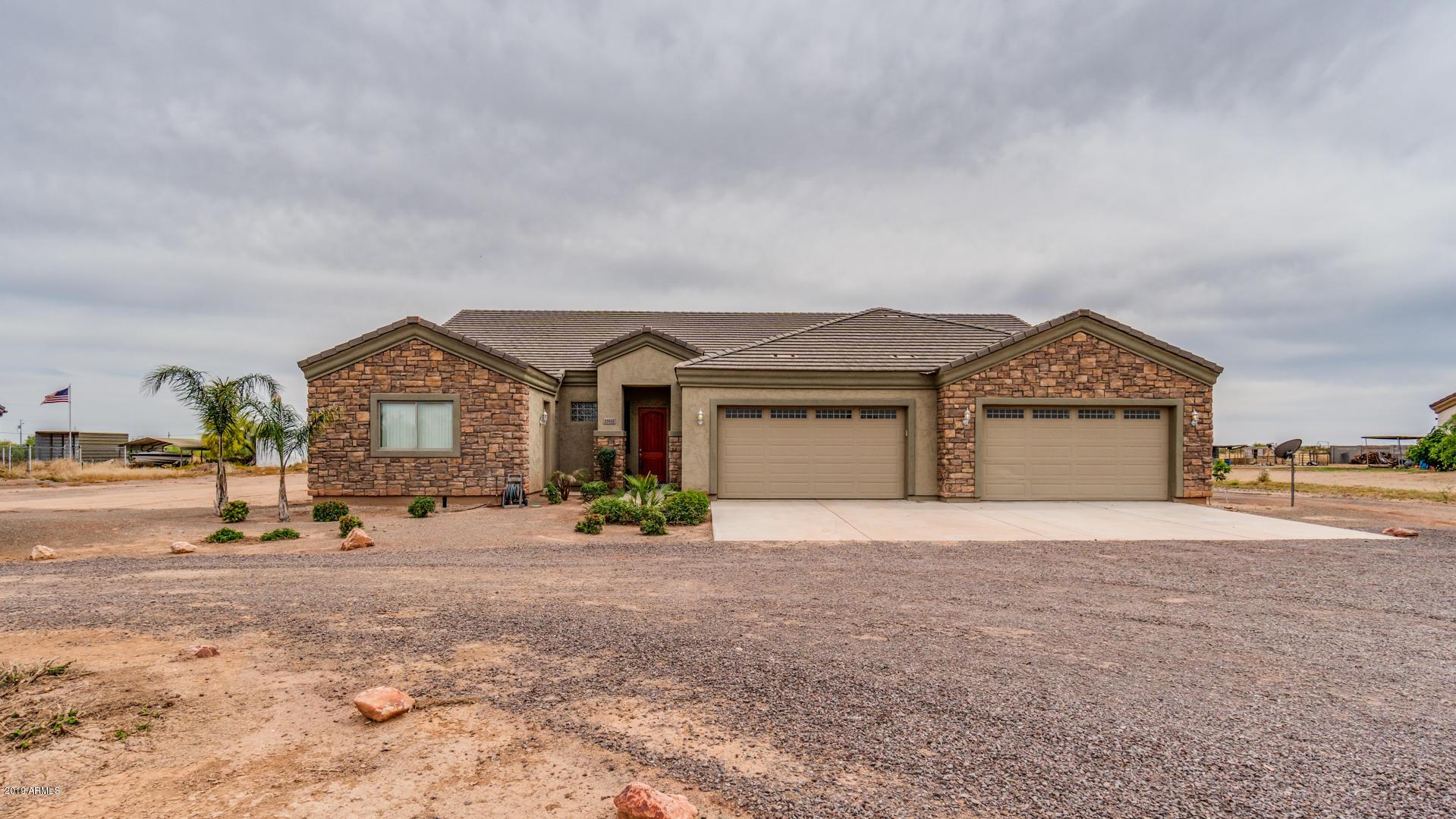 Photo of 23931 W PINNACLE VISTA Lane, Wittmann, AZ 85361