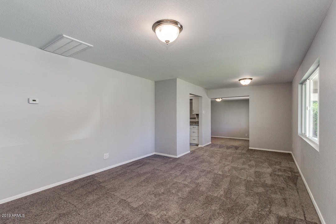 Photo of 665 E COMMONWEALTH Place, Chandler, AZ 85225